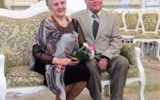 38 років шлюбу : як називається весілля? Вибираємо подарунок батькам на ртутну річницю спільного життя