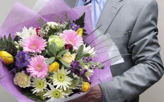 Офіційне привітання з 8 Березня колегам в прозі: від керівництва, чоловіків, жінок