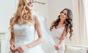 Сценарій весілля без тамади для найближчих і рідних у вузькому колі для невеликої компанії: тости, конкурси, поздоровлення