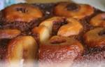Рецепт приготування пирога з яблуками — швидко та дешево