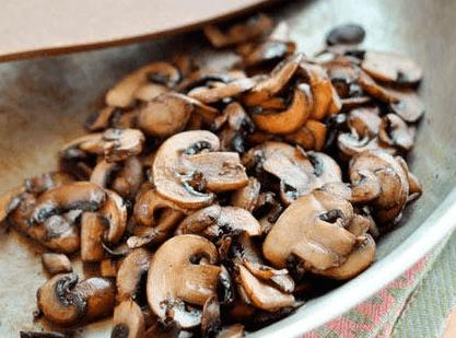 Начинка для піци з грибами